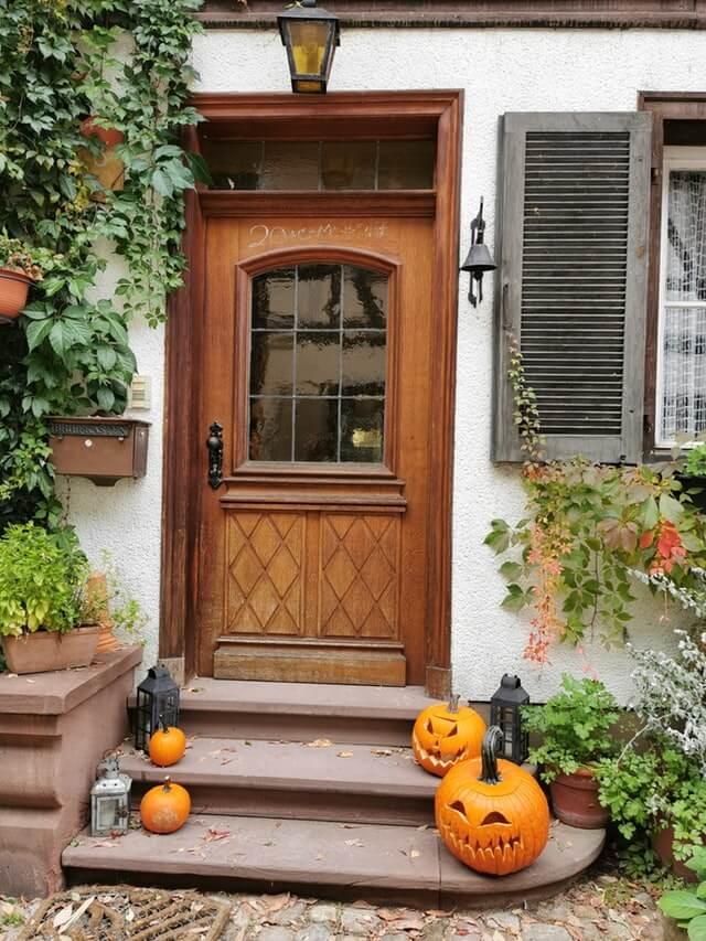 Декорация на вратите